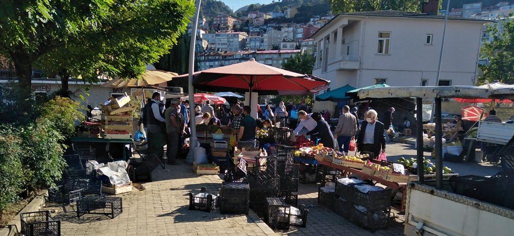 """Tirebolu'da """"Semt Pazarı"""" Kavgası!"""
